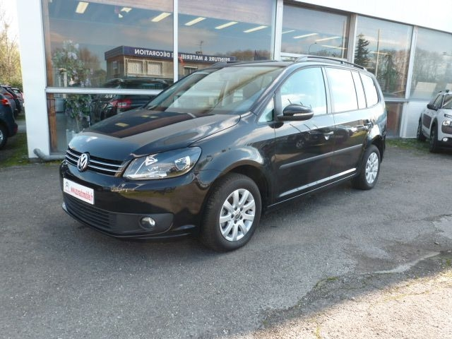Photo 1 de l'offre de VOLKSWAGEN TOURAN 1.6 TDI 105CH FAP DESIGN EDITION à 19350€ chez Azur Automobile